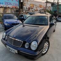 BENZ E200